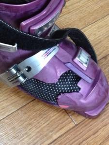 割れたブーツ